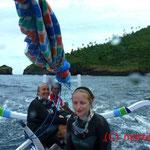 Rückfahrt im ortsüblichen Fischer- und Tauchboot, gem. mit Christine und Katharina
