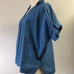 サイズ表記M ゆったり着るデザイン 硬め生地で衿が立ちます