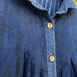 オリジナルボタン。襟と前立ては麻100%。本体は綿100%