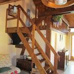 Escalier vers mezzanine