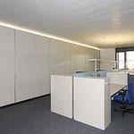 Büroausbau Akustik-Schiebetüren farblackiert