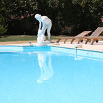 Fontaine marbre piscine vue 1