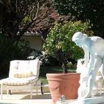 Fontaine marbre piscine vue 3
