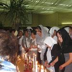 encendido de velas en Peisaj