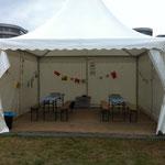 Das Kunst-im-Koffer-Zelt beim Kinderkulturfestival 2017 in Duisburg