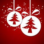 © ryanking999 - Fotolia.com 57191337/Weihnachtskugeln auf Rot