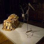 Buchskulptur bestehend aus zwei Teilen:  Skulpturteil 1 Beutelbuch - Skulpturteil 2 Das Schindeltier, 2012. Foto: VN Jaeger, 2012 ❘ © VN Jaeger 2012