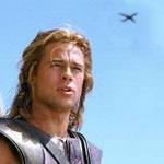 "Brad Pitt en Troya ""esperando el avión""..."