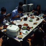 少人数制特訓授業の屋上での昼食時の様子です。
