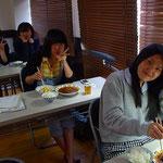 少人数制特訓授業の昼食時の様子です。
