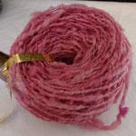 laine de mouton teinte  en rose