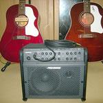 Gibson J-45M WR 2002'(右)・Epiphone 1963AJ-45 WR 2006'・Amp:Fishman LoudBox100 カレッジギターズ