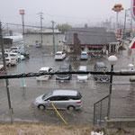 津波は何度も押し寄せてくる。逃げ遅れた人はいないか・・・心配になる