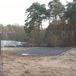Ostring Jugendhaus: Basketballspielfeld in der Größe: 18 x 6 Meter