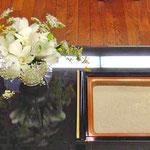 ¥1500  12×9x11 葬儀会場焼香台テーブル花