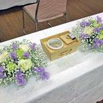 ¥2000×2  24×8x21 葬儀会場焼香台テーブル花