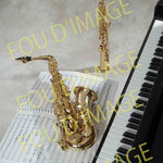 nature morte musique, partition piano saxo illustration CD
