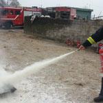 LandFrauen löschen Feuer