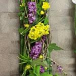 ...darin dekorieren wir unsere Blumen.