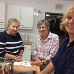 Das Kochen in der Gruppe bringt Spaß