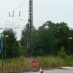 Was steht denn da auf dem Schild?      Foto: Ulrike Mose  29.07.2013