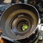 35mmF2.8 後球の表面にカビ。内部はきれい。表面のカビ取り清掃。