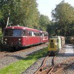 Ein alter Wagen fährt auf der historischen Ruhrtalbahn (© Route der Industriekultur)