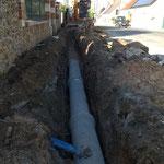 CAZORLA TP :  pose de canalisation en tranchée  pour travaux d'assainissement et viabilisation