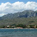 Blick vom Strand in Richtung Schlucht