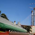 U-Boot, Kirche und Monster-Brücke