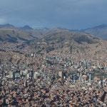 Südamerikanische Großstädte erstrecken sich grundsätzlich über mehrere Hügelketten...