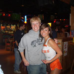 Grant und das Hooters girl
