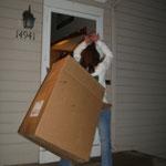 """Boxing"": Julie als Schachtelteufel"