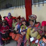 Hintertupfingen auf Peruanisch. Einmal im Jahr kriegen die Bewohner von Huacahuasi Besuch von US-amerikanischen Medizinern. Diesmal haben sie Süßigkeiten und Zahnbürsten ausgeteilt.