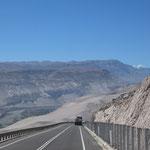 Steil bergab nach Arica.