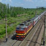Typischer russischer Schlafwagenzug, hier Zug 337JI Samara–St. Petersburg.