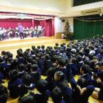 2014年12月16日 幼稚園で演奏3
