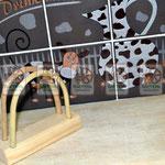 Деревянные салфетницы с гнутыми держателями из ивняка