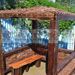 плетёные беседки, основание -состаренная древесина, заполнение -плетень из ивы