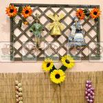Деревянные декоративные решётки в местах продаж ( магазины , торговые точки, бары, кафе...)