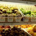 Плетёные ящики-корзины для торговых точек под фрукты
