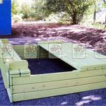 деревянная песочница с откидными крышками