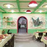 Деревянная мебель  тематическая для кафе и баров