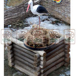 колодец из сруба, гнездо для аиста