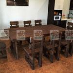 """деревянные стулья и деревянный стол """"под старину"""""""