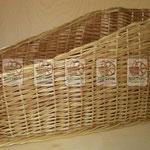 плетёное оборудование для магазина: лоток для выкладки продукции.