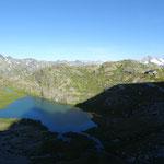 Lac inférieur du Ruitor et refuge Deffeyes