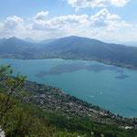 Belles couleurs sur le lac d'Annecy aujourd'hui