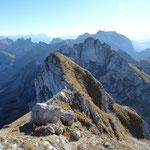 Fin de la traversée, descente sur le Col de Planchamp