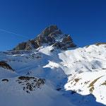 Pointe Blanche, le Col de Balafrasse juste à sa droite